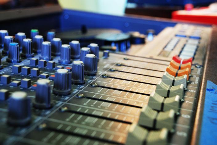Hungry Producers Killing The DJ?